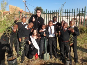Go, Go Green! Racing driver Gennaro Bonafede. Miss Earth South Africa 2012 and schoolchildren of Pheladi-Nakene Primary School.